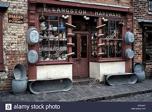 The Back Store : vintage hardware store and goods for sale dating back to the early stock photo 61175040 alamy ~ Markanthonyermac.com Haus und Dekorationen