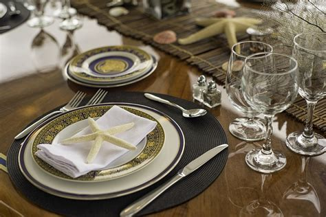 Il Capo Dining Table by Il Capo Yacht Charter Details Broward Marine