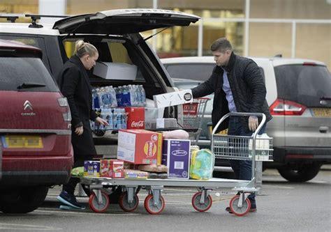 Jennifer Ellison spotted buying trolley-loads of sweets ...