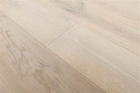 Engineered Bleached Oak Flooring: Italian 2 ply wide plank