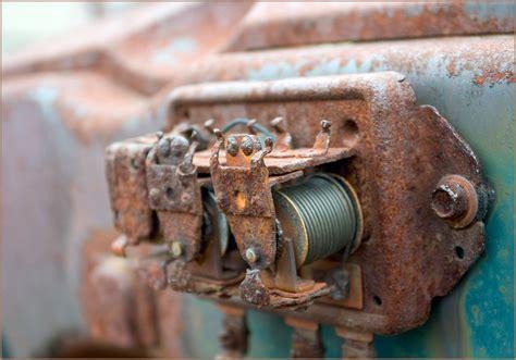 rust bubbles lens 40mm f4l 300d