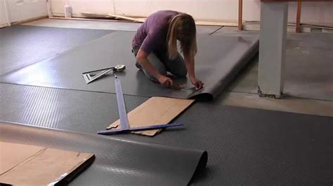 Roll Out Vinyl Garage Flooring