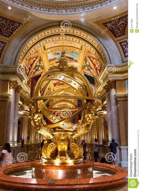 extravagant golden sculpture   lobby   venetian