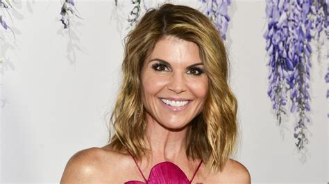 Here's how much Lori Loughlin is really worth