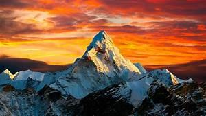 Sunset, In, Himalayan, Mountain, Mount, Everest, Between, Nepal
