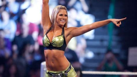Top 10 Hottest Women Wrestlers In The World 2018