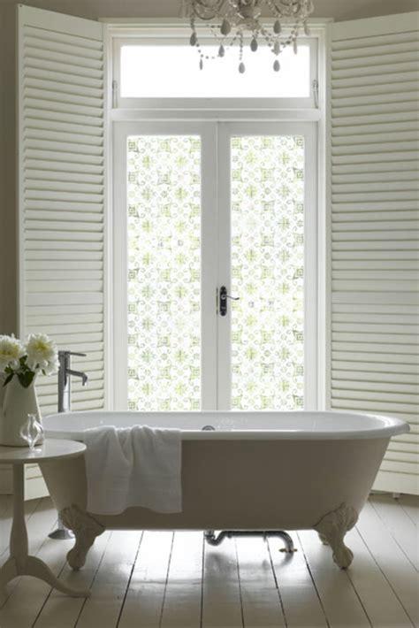 occultant fenetre salle de bain le adh 233 sif de vitrage est pour la d 233 coration facile et de vos fen 234 tres archzine fr