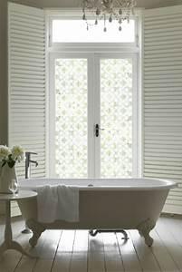 Le film adhesif de vitrage est pour la decoration facile for Salle de bain design avec film vitrage décoratif