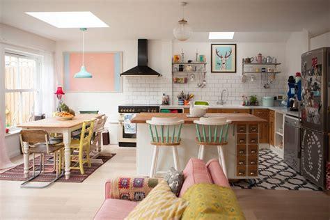 cuisine o visite un cottage coloré cocon de décoration le