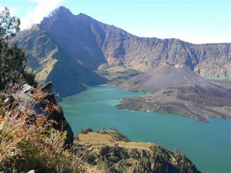 beautiful mount rinjani  indonesia indonesia tourism