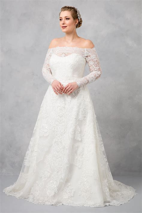 shoulder  size   wedding dress cwg