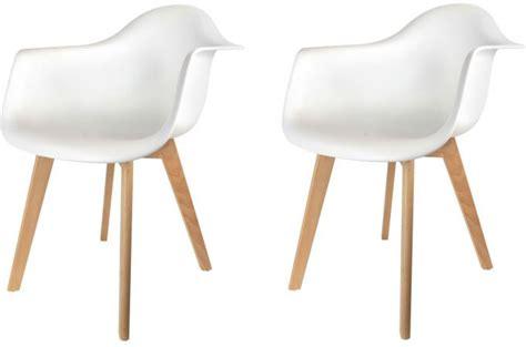 chaise avec accoudoir pas cher lot de 2 chaises scandinaves avec accoudoir blanches fjord