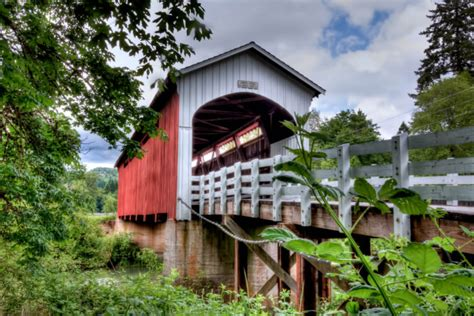 cottage grove or the cottage grove covered bridge drive in oregon is