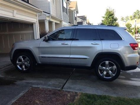 sell   jeep grand cherokee overland  silver