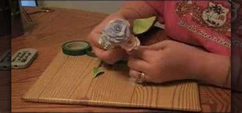 How To Wire A Spray Of Gumpaste Flowers For Cake