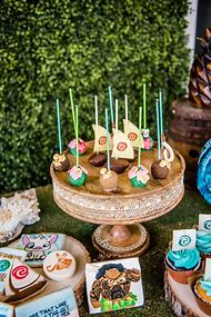 Moana Birthday Party Cake Pops