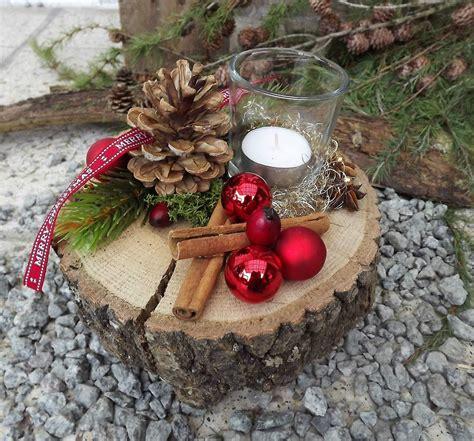 weihnachten advent holz gesteck teelicht auf holzscheibe rot natur deko weihnachten