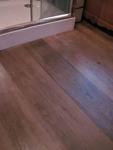 plancher acacia pour salle d39eaux plancher chene pour With plancher pour salle de bain