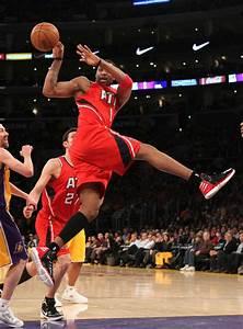 Atlanta Hawks v Los Angeles Lakers - Pictures - Zimbio