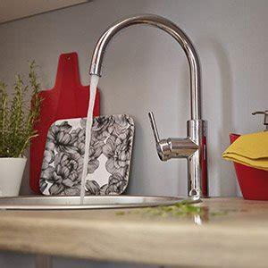 changer robinet evier cuisine evier et robinet de cuisine leroy merlin