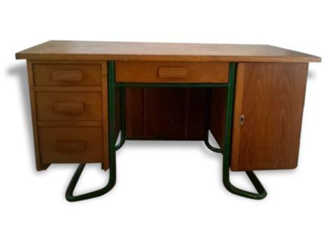 bureau d ecole bureau maître d 39 école bois matériau bois couleur
