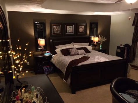 Bedroom Decorating Ideas Brown And Gold by 25 Best Ideas About Accent Walls On