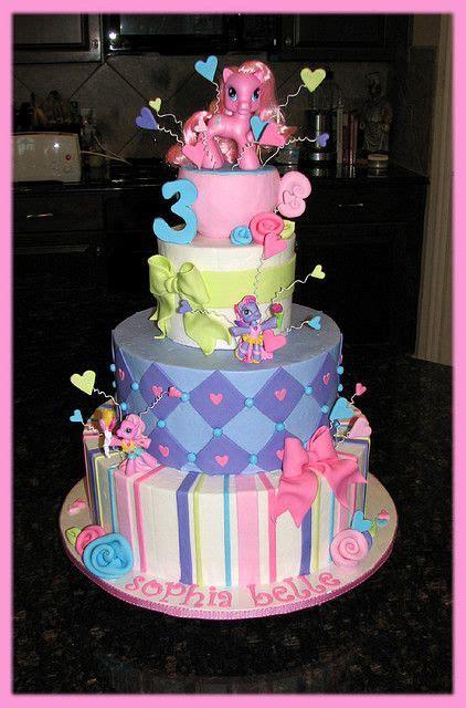 super cute oooo la la cakes   pony cake