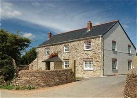 Cornwall Cottage With Tub by Cottage In Padstow Cornwall Pet Friendly With