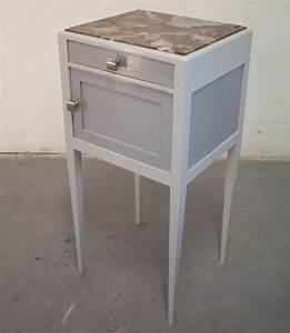 Table De Nuit Haute : chevet gris table de nuit haute restaur e repeinte in my house pinterest tables de ~ Teatrodelosmanantiales.com Idées de Décoration