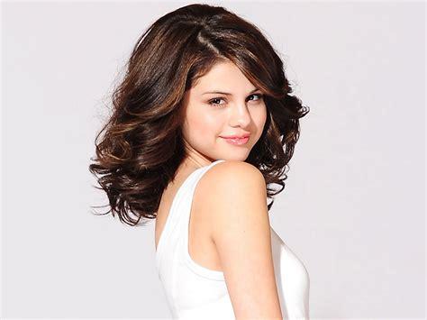 Beautiful International Singer Selena Gomez Latest Cute