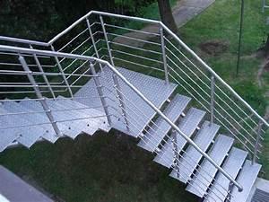 Treppengeländer Selber Bauen Stahl : treppengel nder aus edelstahl f r innen und au en zum ~ Lizthompson.info Haus und Dekorationen