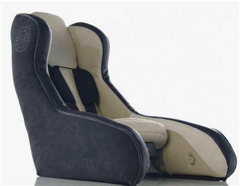 siege auto design volvo innove le siège auto gonflable pour enfant bed