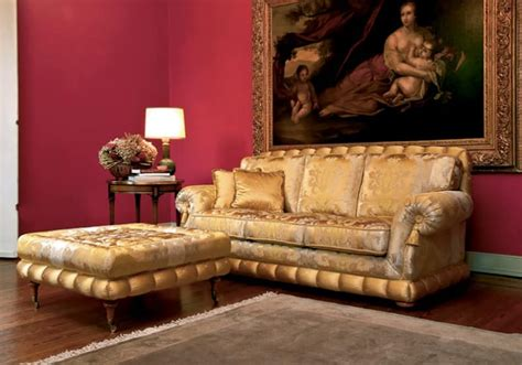 Luxury Classic Sofa With Pouf, For Elegant Lounges