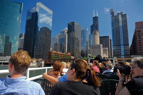 Architecture Foundation Boat Cruise Chicago by Chicago Architecture Foundation Boat Tour Travelingmom