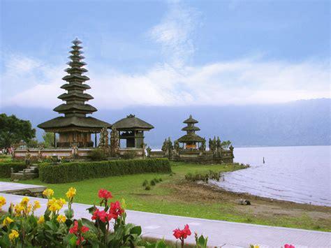 daftar  terbaik tempat wisata  indonesia tur dunia