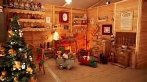 la maison du pere noel pour grand retour le p 232 re no 235 l installe sa maison 224 toulouse 3 midi pyr 233 n 233 es