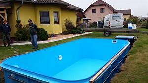 Zapuštěné laminátové bazény