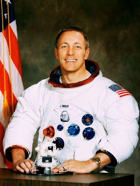 James Lovell: el astronauta que, con sus cálculos, salvó ...
