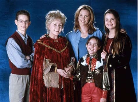 Halloween Town Casts by The Cast Of Halloweentown Is Reuniting To Honor Debbie