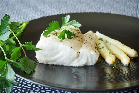 cuisiner du poisson dos de cabillaud vapeur recette du dos de cabillaud