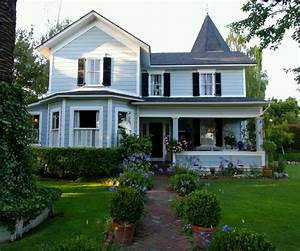 Modern House Design Front View Modern House Design in ...