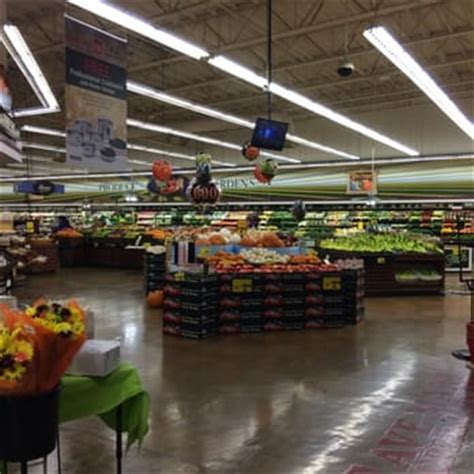 save mart 30 photos 32 reviews grocery 801 oakdale