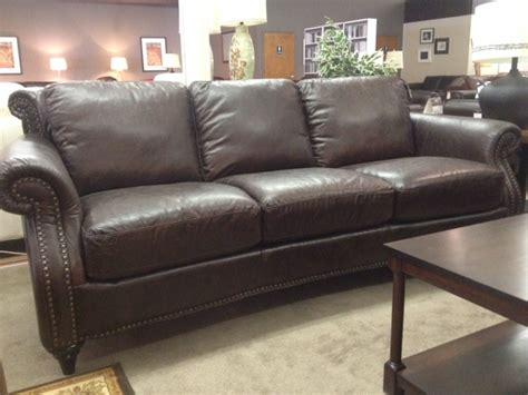 natuzzi group cara leather sofa leather sofa natuzzi allaro a121 leather sofa by natuzzi
