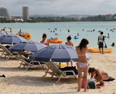 tour pc bureau why 39 s vacationers flock to guam stripes okinawa