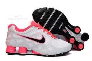 Women Nike Shox Shoes