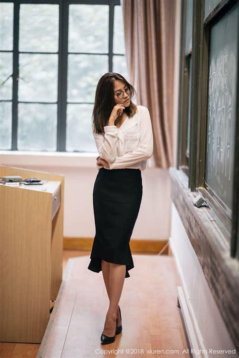 女神@许诺Sabrina教师制服写真-国产女图网