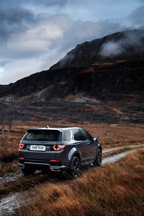 land rover eyeing more car like vehicles possible new discovery