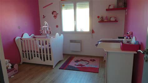 deco chambre bebe fille gris rose comprenant petit