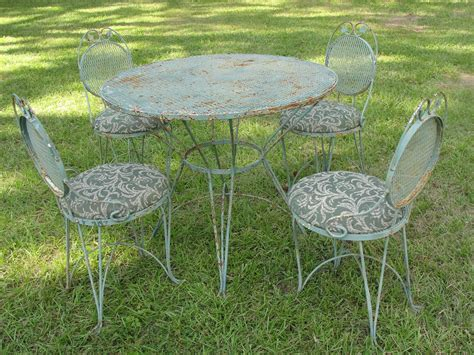vintage wrought iron mesh patio set table w 4 chairs