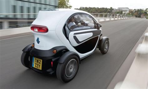 Honda's Micro Commuter chases Renault's electric Twizy